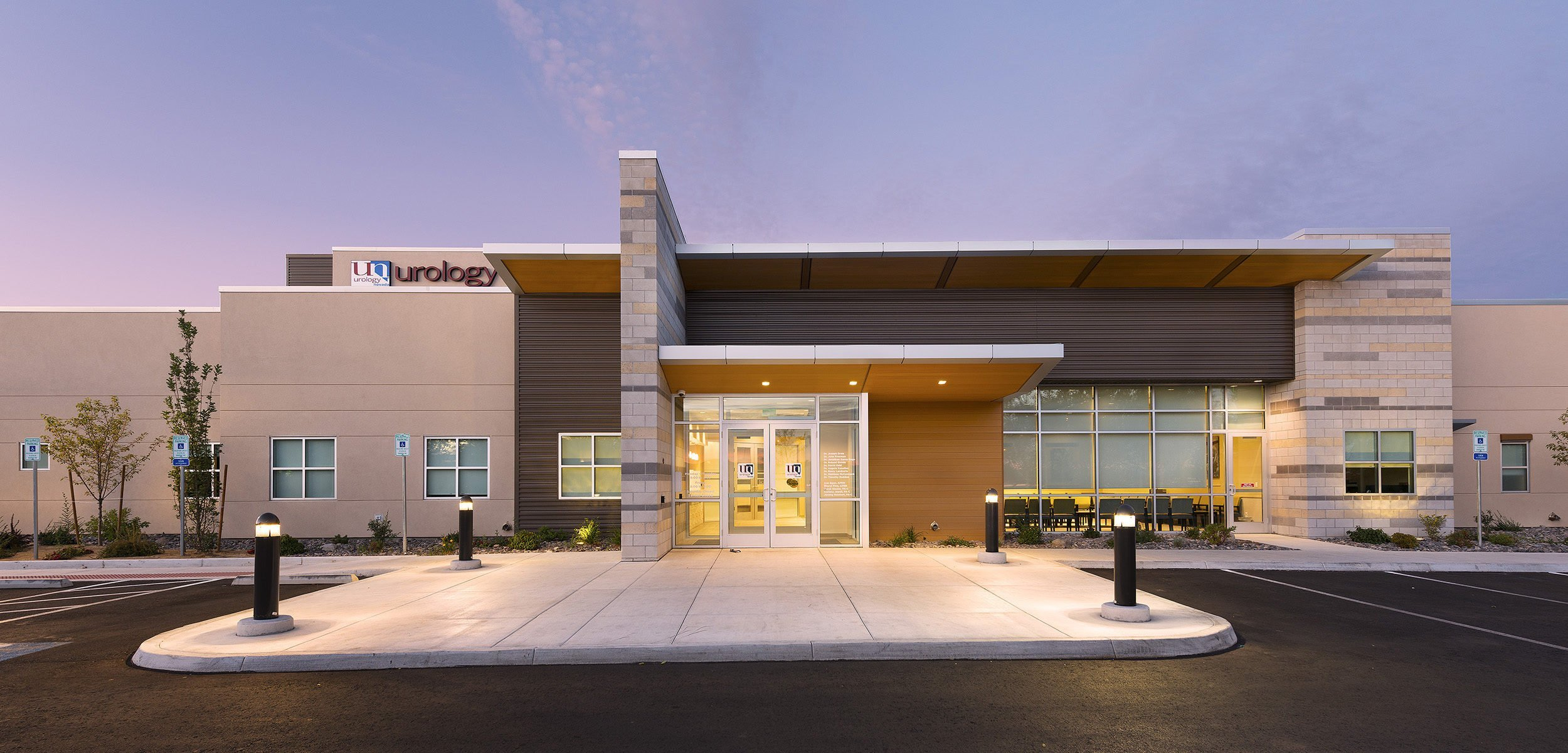 Tectonics' architects, civil engineers, and structural engineers collaborated to create Urology of Nevada's new state of the art facility in Reno.
